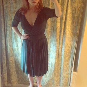 Bcbg pleated forest green t length dress
